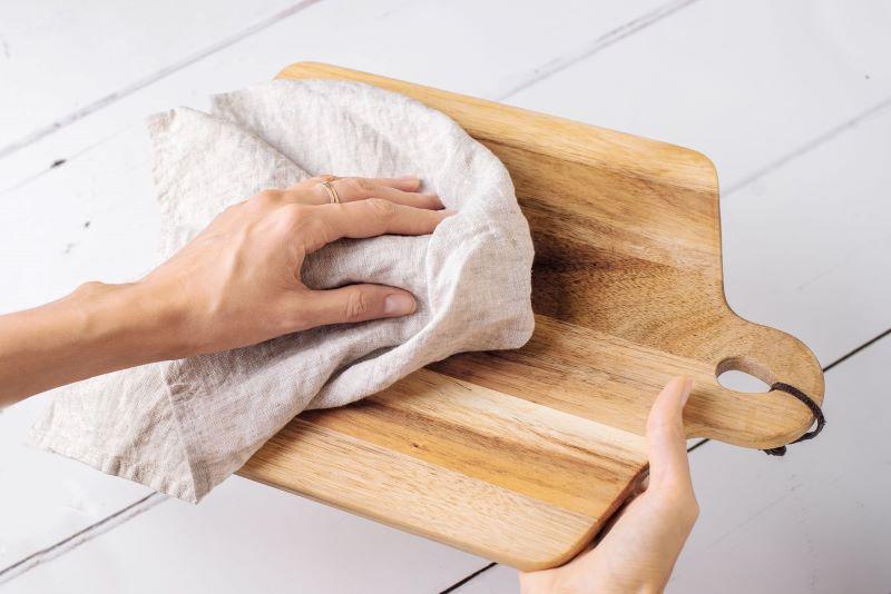 نحوه شست و شو تخت کار چوبی
